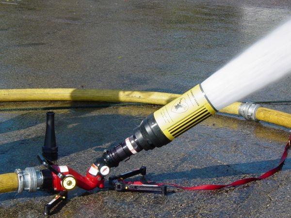 Canhão monitor para combate a incendio