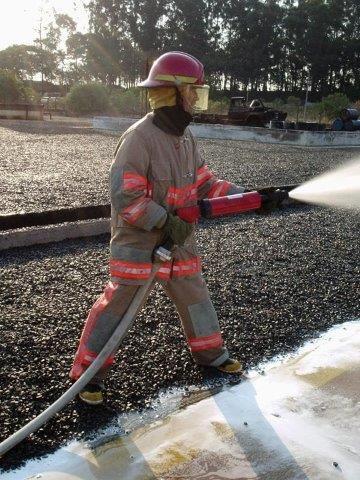 Esguicho para mangueira de incêndio regulável