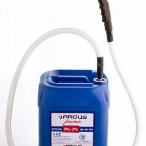 Liquido gerador de espuma de combate a incendio