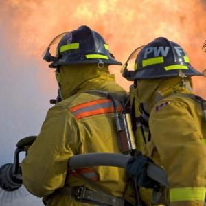 Sistema de combate a incendio industrial